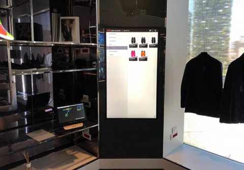 Self-Service Kiosk in fashion store